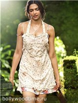 Deepika-Padukone-Finding-Fanny.jpg
