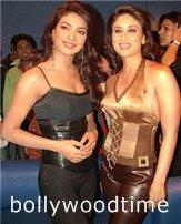 Kareena-Kapoor-Priyanka-Chopra.jpg