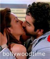 Индийские пары страстно целуются