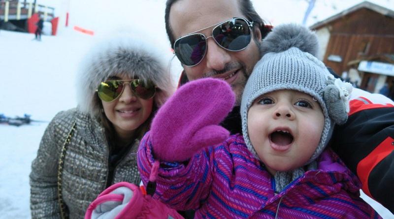 Фардин Кхан с женой Наташей и дочерью Диани