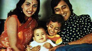 Винод Кханна с первой женой и детьми