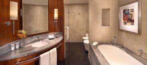 Ванная отеля Jumeirah Emirates Towers