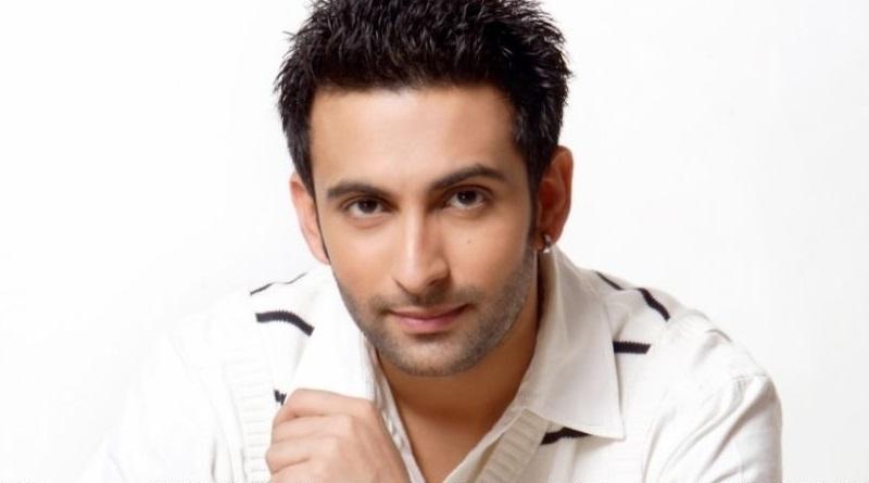Индийский актер Нандиш Санду