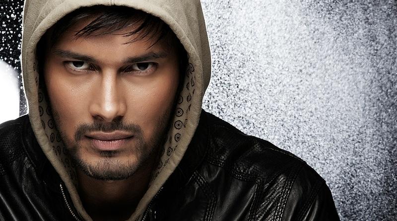 Индийский актер Раджниш Дуггал
