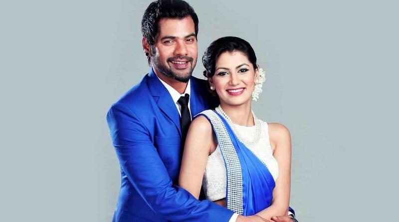 Шаббир Ахлувалия и Срити Джха в сериале Женская доля
